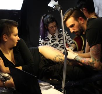 tetovalok ejszakaja