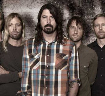 Foo_Fighters_2015_promo_1