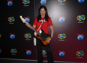 Rock in Rio / USA - with the guitar signed by Linkin Park